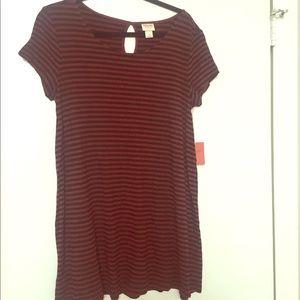 Short sleeved shirt or dress